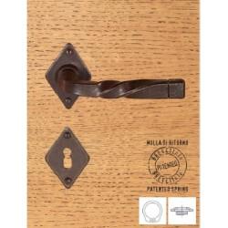 Maniglia Ferro Su Rosetta Patent Con Molla